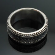 wedding-band-the-path-in-palladium-silver-with-antique-finish-57e9957d4.jpg